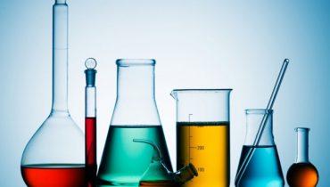 Thioglycolic Acid là chất gì? Có công dụng gì trong mỹ phẩm?