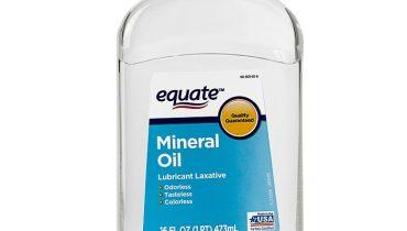 Mineral Oil (Dầu khoáng) là chất gì? Có công dụng gì trong mỹ phẩm?