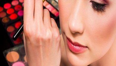 Cách trang điểm cho người có hốc mắt sâu trở nên đẹp lạ thường