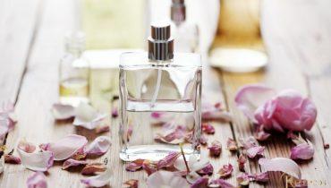 Fragrance trong mỹ phẩm là chất gì? Có tác dụng gì? Độc hại hay lợi?