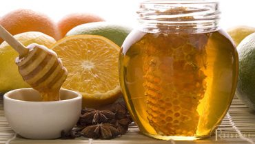 Beeswax trong mỹ phẩm là chất gì? Có tác dụng gì? Độc hại hay lợi?